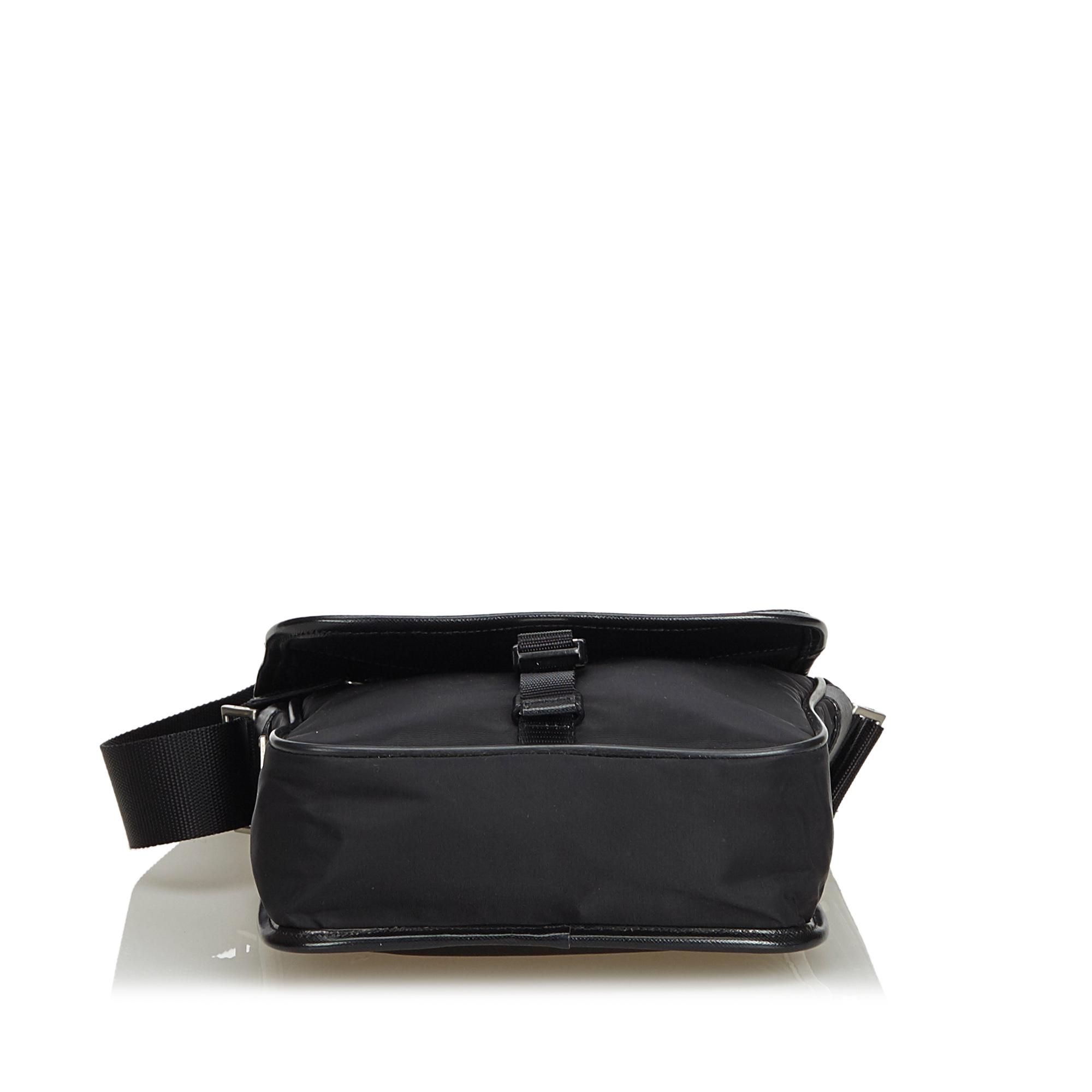 d10b06455f Vintage Prada Black Nylon Fabric Crossbody Bag Italy 4 4 of 12 ...